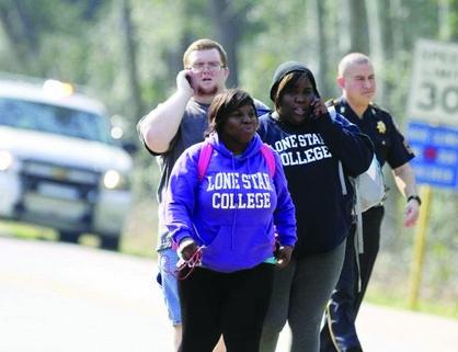 Reanudan clases después del tiroteo