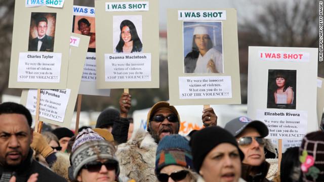 Miles de manifestantes se reúnen en DC para reclamar más control de armas