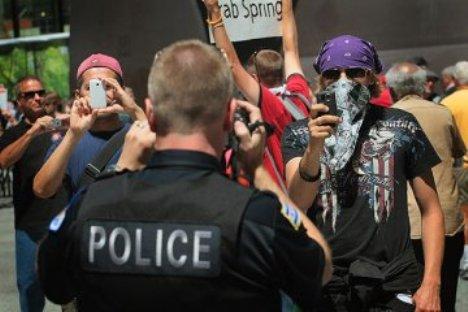 La corte federal dice que las personas pueden filmar a la policia