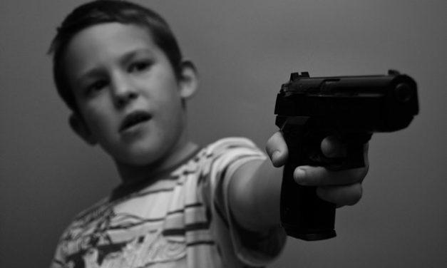 Estudio: el 20% de los niños tienen acceso a las armas en el hogar
