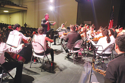 Orquesta sinfónica juvenil de El Grullo deslumbra en California