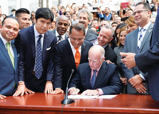 Rechazan licencias para indocumentados en CA