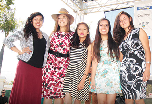 "Cuatro Universitarias reciben beca del ""Sandra Cervantes Scholarship Fund"""