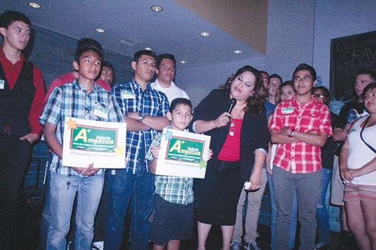 Valerie Amezcua inicia campaña para la junta directiva