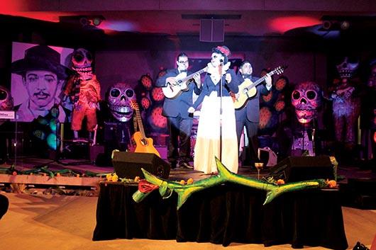 Festival de los Muertos y Noche de Altares