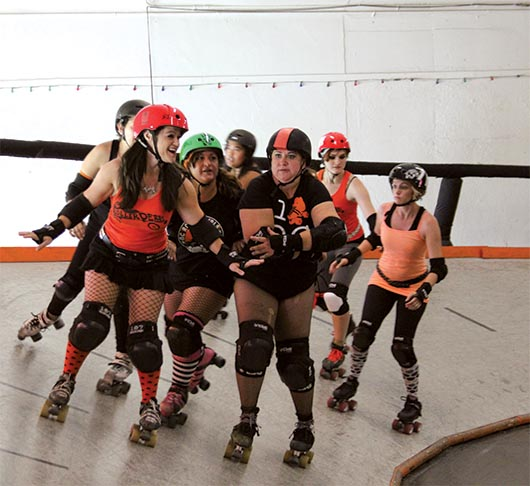 O.C. Roller Girls fortaleciendo el espíritu femenino