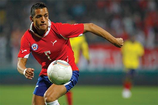 Sánchez no arrancaría como titular ante Manchester United por cansancio