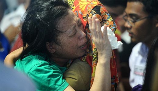 AirAsia ofrece 125.000 dólares a las familias de las víctimas