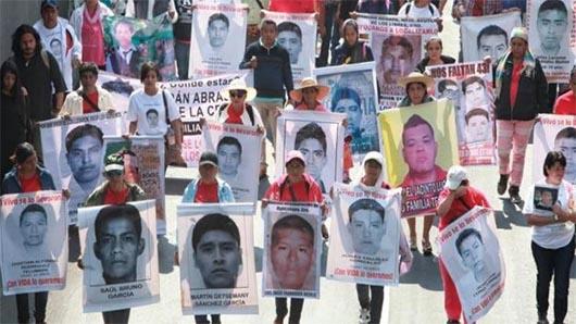Día de marchas en la Ciudad de México por desaparecidos de Ayotzinapa