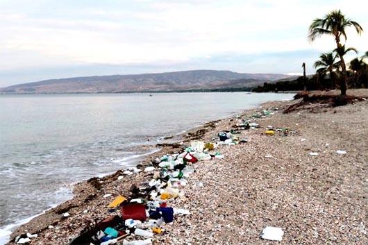 El mundo tira ocho millones de toneladas de plástico al mar cada año