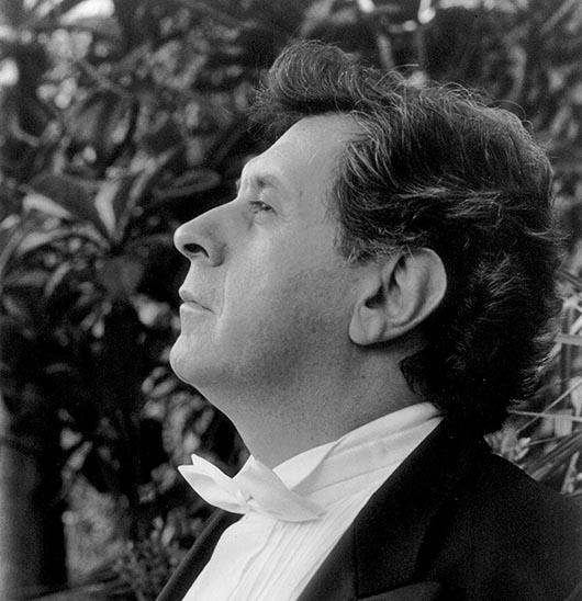 Entrevista exclusiva de Miniondas con el Maestro Enrique Bátiz