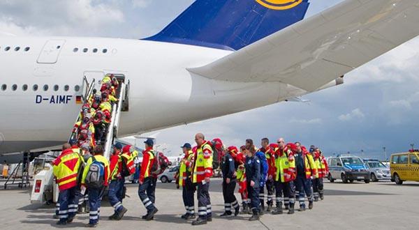 Todo el mundo se mueve para ayudar a Nepal