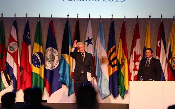 Bill Clinton acapara en la Cumbre de las Américas en Panamá