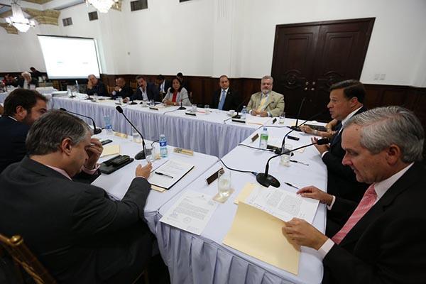 Cierre de oficinas privadas en Panamá por la Cumbre