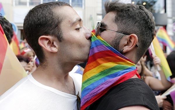 Corte Suprema revisa derecho al matrimonio homosexual