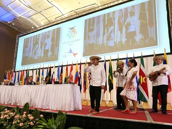 Panamá hace historia con foro de rectores en el marco de la VII Cumbre de las Américas