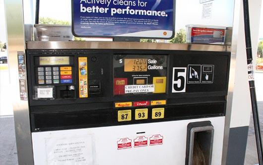 Suben los precios de gas en California