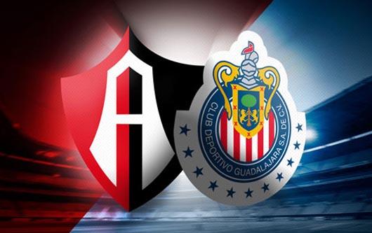 Chivas y Atlas se enfrentan a golpes