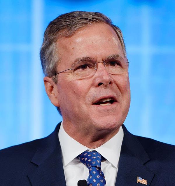 Jeb Bush topa de frente con el tema de la inmigración
