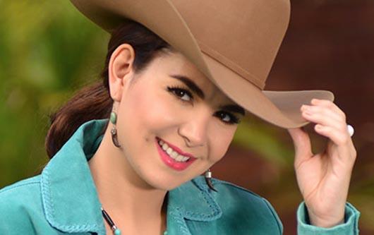 Laura Denisse y su segundo sencillo álbum «Sigo Enamorada»