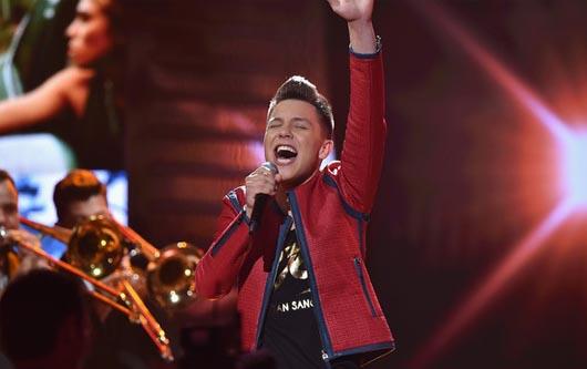 Jonatan Sánchez deja huella en Premios Juventud!