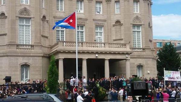 Cuba y E.U. reabren embajadas