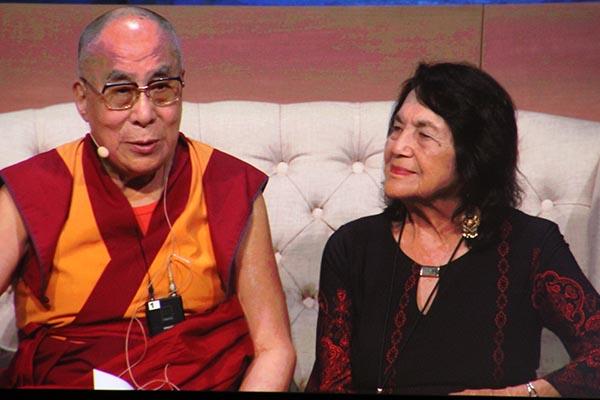 Dalai Lama desea «que todos vivamos con compasión»