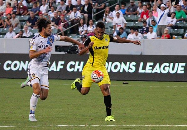 Gio Dos Santos debuta con L.A. Galaxy y propina tremenda goliza a Comunicaciones FG
