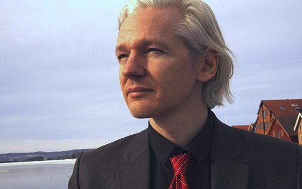 Sigue el asilo de Julian Assange luego de 3 años