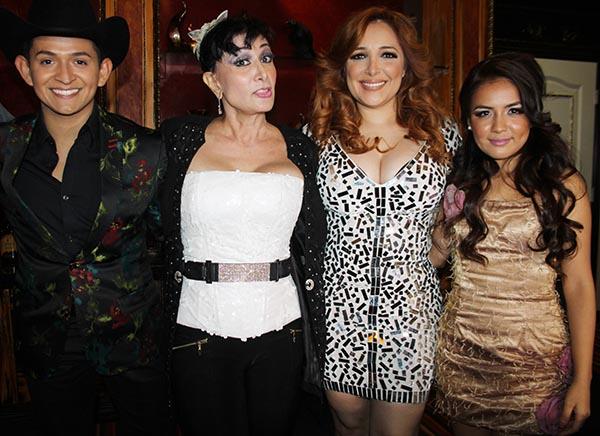 Myriam y Beatriz Adriana «Las Grandes Voces en vivo» en M3Live de Anaheim