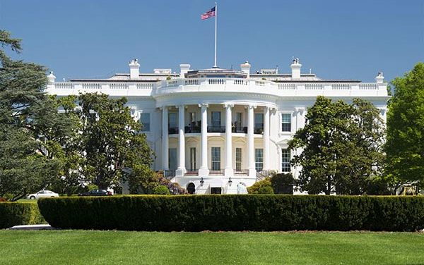 Primer transgénero alto funcionario de la Casa Blanca