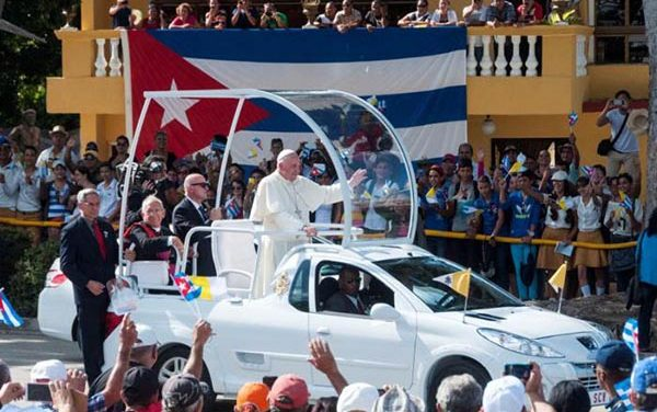 Papa celebra misa de domingo en Cuba