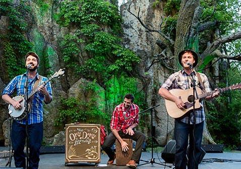 El dúo The Okee Dokee Brothers regresa al Segerstrom Center a compartir su pasión por la Folk Music Americana