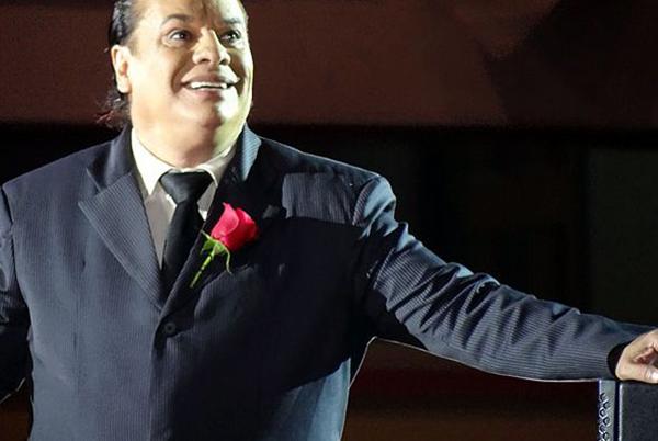 Telemundo graba serie bio-musical de la vida de Juan Gabriel: «Hasta que te conocí»