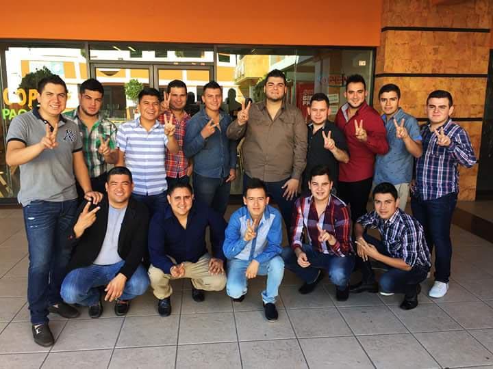 ¡Banda Clave Nueva por encima de La Séptima Banda y Julión Alvarez en la radio!