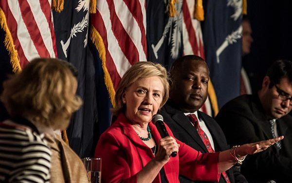 Hoy por la noche: Debate de candidatos presidenciales demócratas