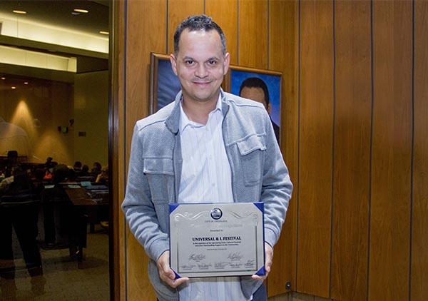 Universal & L Festival recibe Certificado de Reconocimiento por su Festival Cultural Latino