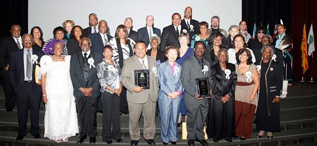 Honran a 28 destacados maestros de Santa Ana en el  International Educators Hall of Fame