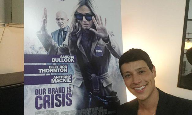 Reynaldo Pacheco se inventa y reinventa como actor y cantante en «Our Brand is Crisis»