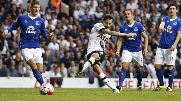 Arsenal en la cima de la clasificación en duelo contra Tottenham