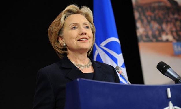 ¡Qué la Fuerza esté contigo! dice Hillary al cierre del debate demócrata
