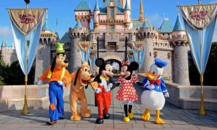 Autoridades estadounidenses prohíben a familia británico musulmana visitar Disneylandia