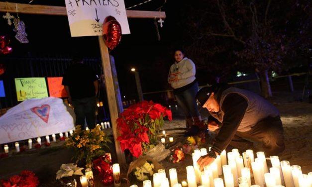 Miles expresan dolor por masacre de San Bernardino