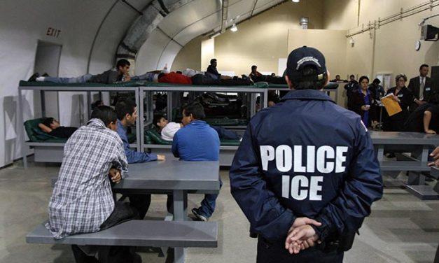Huelgas de hambre en centros de detención de inmigrantes