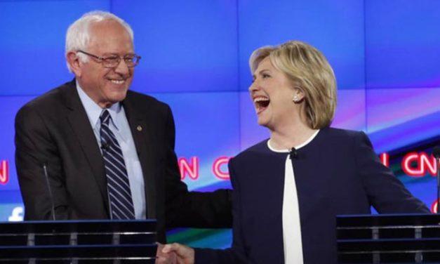 Hillary y Sanders se enfrascan en fuerte duelo de opiniones