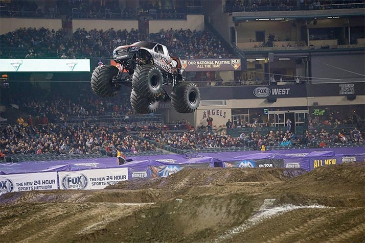 Monster Jam 2016 en Angel Stadium el 13 de febrero