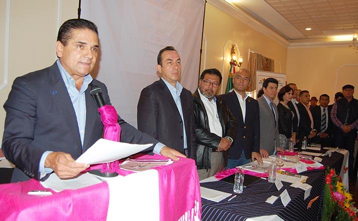 Gobernador de Michoacán, Silvano Aureoles, preside «Primer Foro Binacional de Consulta» en L.A.
