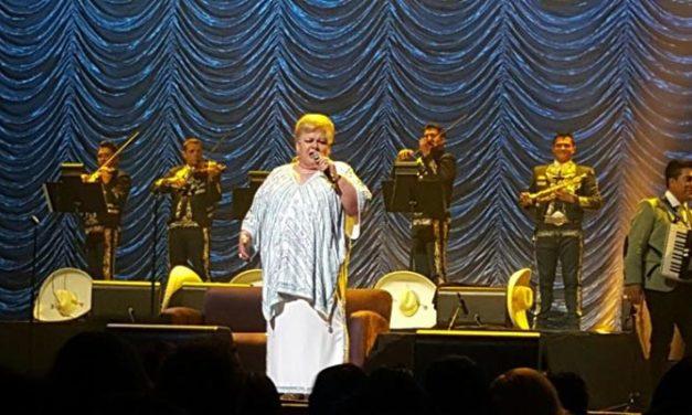 Paquita celebró con su público 45 años de carrera en el Microsoft Theater de L.A.
