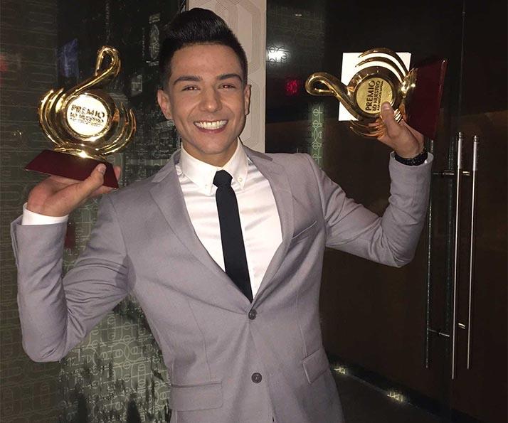 Luis Coronel se lleva la noche en Premio lo Nuestro 2016