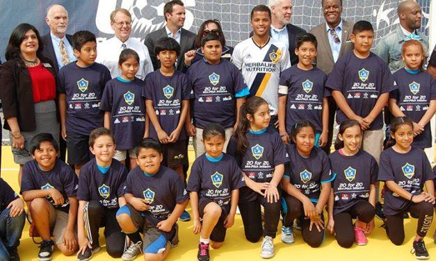 Giovani Dos Santos: A lo mejor aquí en Santa Ana está la nueva estrella del fút-bol